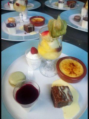 Café promenade dessert gourmand
